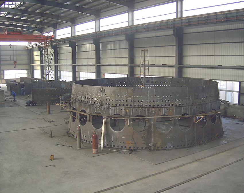 唐山国丰钢铁有限公司高炉炉壳预拼装现场